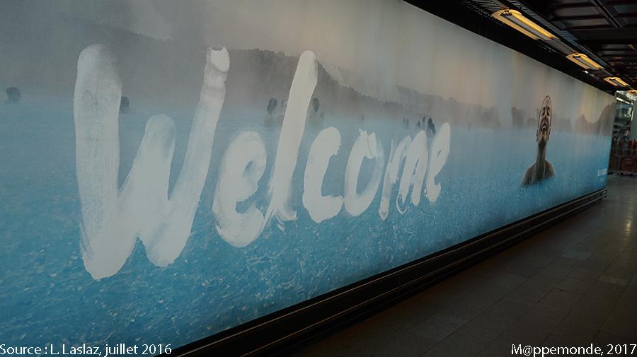 Photo 13. Couloir de l'aéroport international de Keflavik, Islande. © L. Laslaz, juillet 2016.